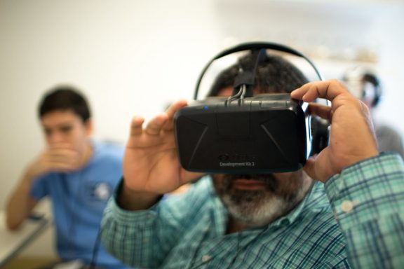 """Virtual Reality Demonstrations"" by Knight Center for Journalism in the Americas, University of Texas at Austin (CC BY 2.0)"